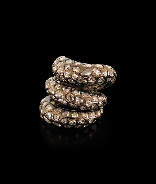 Etho Maria Blackened Gold & Diamond Ring