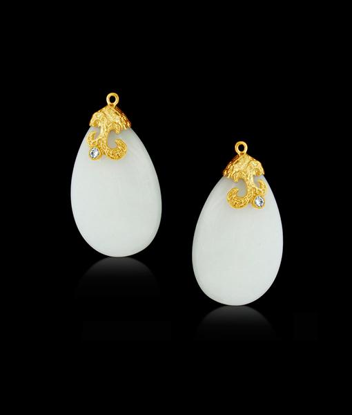 Cayen White Quartzite Drops with Diamonds
