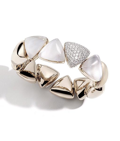 Vhernier Freccia Diamond Mother Pearl Bracelet
