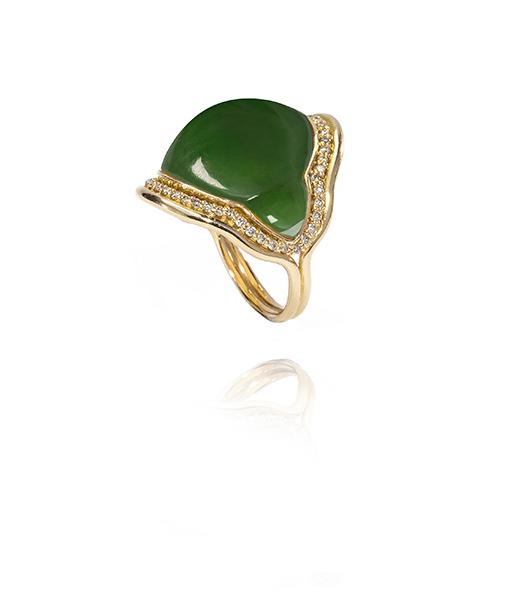 Fernando Jorge Fluid Nephrite Ring Framed Diamonds