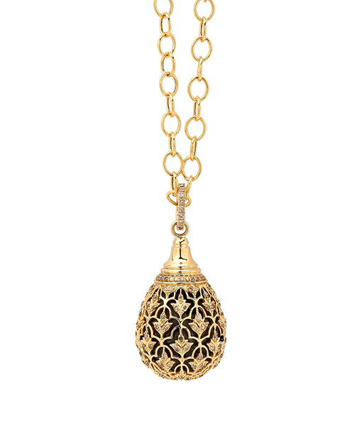 Syna Silver drop with flower motif pendant